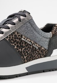 MICHAEL Michael Kors - ALLIE TRAINER - Zapatillas - black/silver - 2