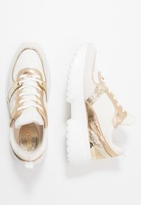 MICHAEL Michael Kors - BALLARD TRAINER - Zapatillas - cream - 3