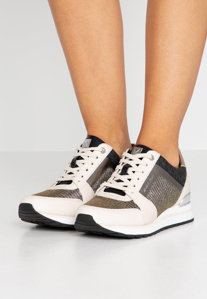 MICHAEL Michael Kors - BILLIE TRAINER - Sneaker low - black/gold