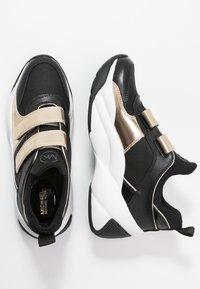 MICHAEL Michael Kors - KEELEY TRAINER - Sneaker low - black/palegold - 3
