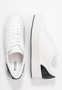 MICHAEL Michael Kors - KHLOE LACE UP - Sneakers basse - optic white - 3