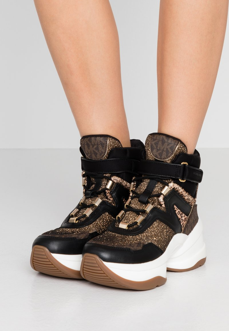 MICHAEL Michael Kors - OLYMPIA LACE UP - High-top trainers - black/multicolor