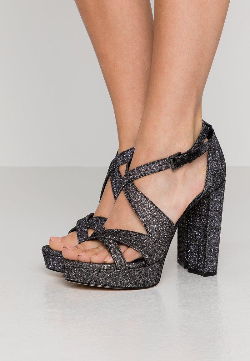 MICHAEL Michael Kors - LORENE PLATFORM - Sandály na vysokém podpatku - black/silver