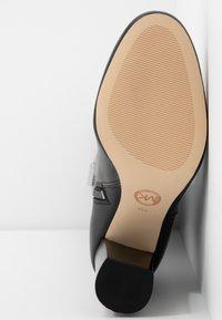 MICHAEL Michael Kors - LOTTIE BOOT - Laarzen met hoge hak - black - 6