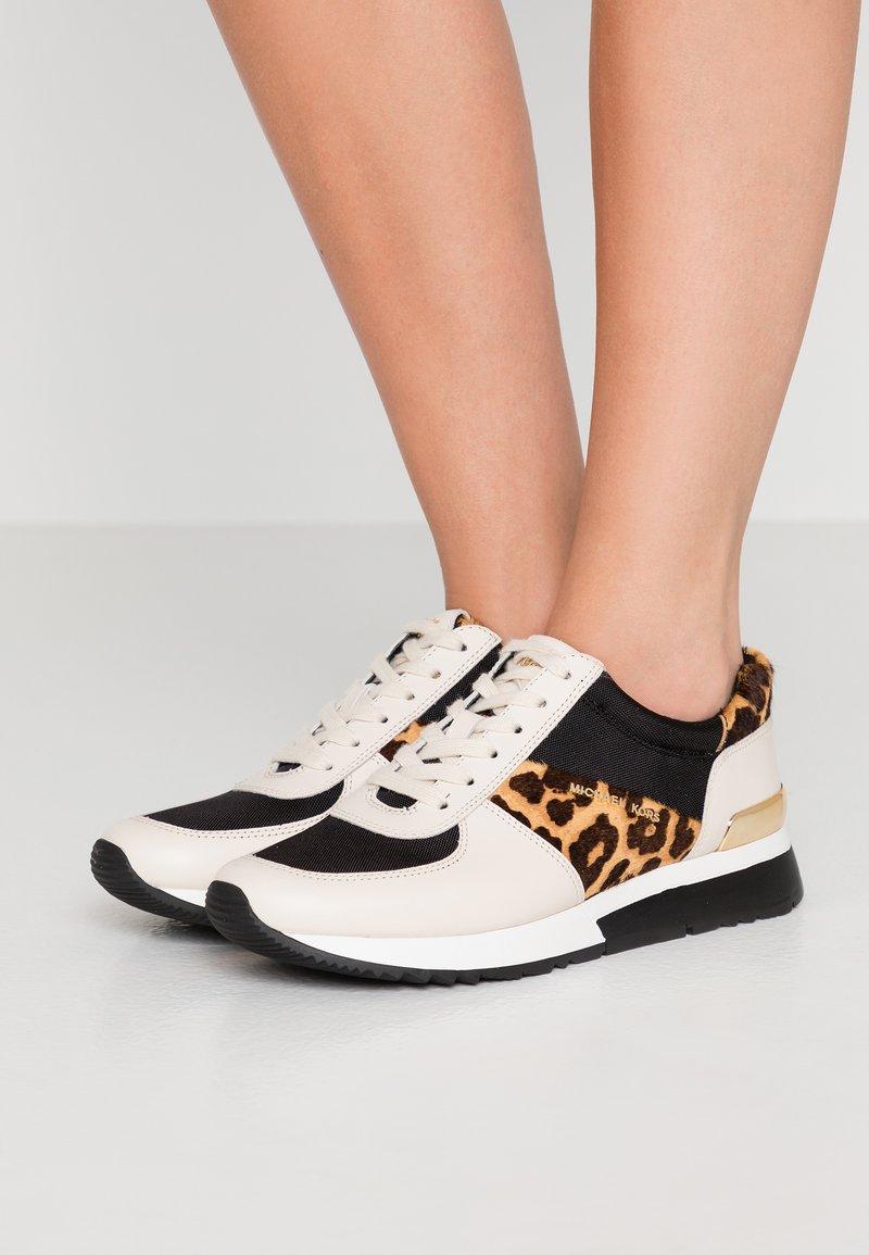 MICHAEL Michael Kors - ALLIE TRAINER - Sneaker low - light cream/multicolor