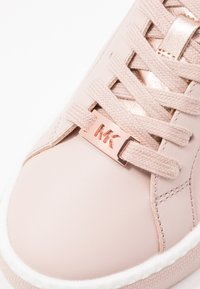 MICHAEL Michael Kors - CODIE LACE UP - Sneaker low - pink/gold - 2