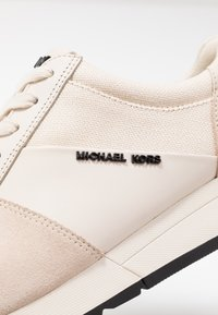 MICHAEL Michael Kors - Baskets basses - ecru - 2