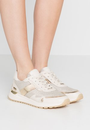Sneakers laag - pale gold