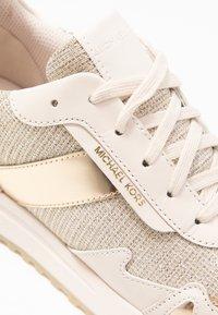 MICHAEL Michael Kors - Baskets basses - pale gold - 2