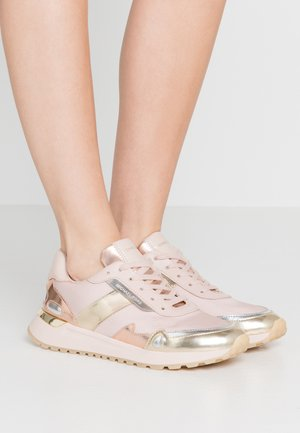 Sneakers basse - soft pink