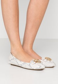MICHAEL Michael Kors - Ballerines - natural - 0