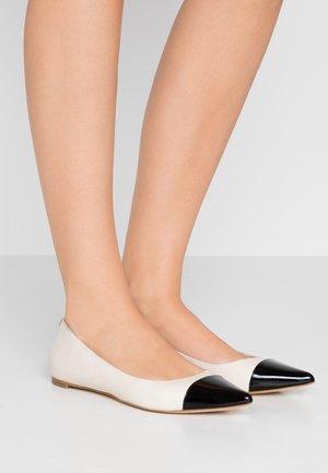 MILA TOE CAP FLAT - Ballerina's - light cream/multicolor