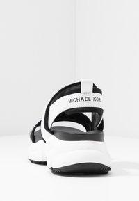 MICHAEL Michael Kors - Sandalias - optic white - 5