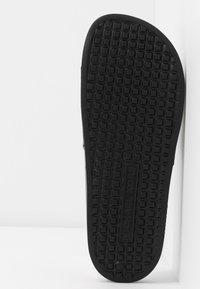 MICHAEL Michael Kors - GILMORE SLIDE - Pantofle - black - 6