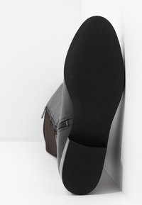 MICHAEL Michael Kors - BROMLEY FLAT BOOTIES - Over-the-knee boots - black - 6