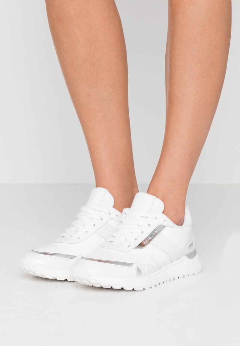 MICHAEL Michael Kors - MONROE TRAINER  - Sneakers laag - bright white