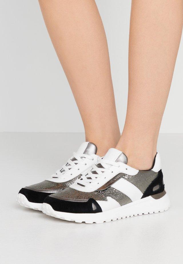 MONROE TRAINER - Sneakers laag - gun/black