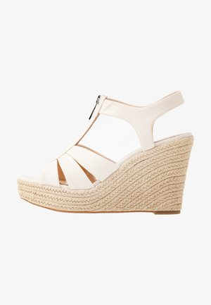 BERKLEY WEDGE - Sandalias de tacón - light cream