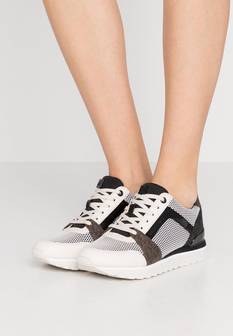 MICHAEL Michael Kors - BILLIE TRAINER - Sneakers laag - black