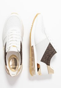 MICHAEL Michael Kors - ALLIE TRAINER EXTREME - Sneakers laag - bright white/metallic - 3