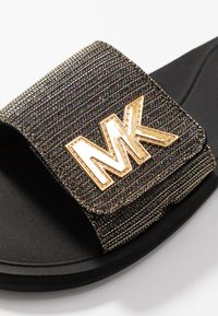 MICHAEL Michael Kors - SLIDE - Pantofle - black - 2