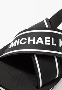 MICHAEL Michael Kors - SPARROW SLIDE - Sandalias planas - black - 2