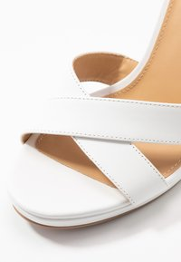 MICHAEL Michael Kors - ALEXIA  - Sandalen met hoge hak - optic white - 2
