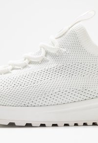 MICHAEL Michael Kors - BODIE TRAINER - Joggesko - white - 2