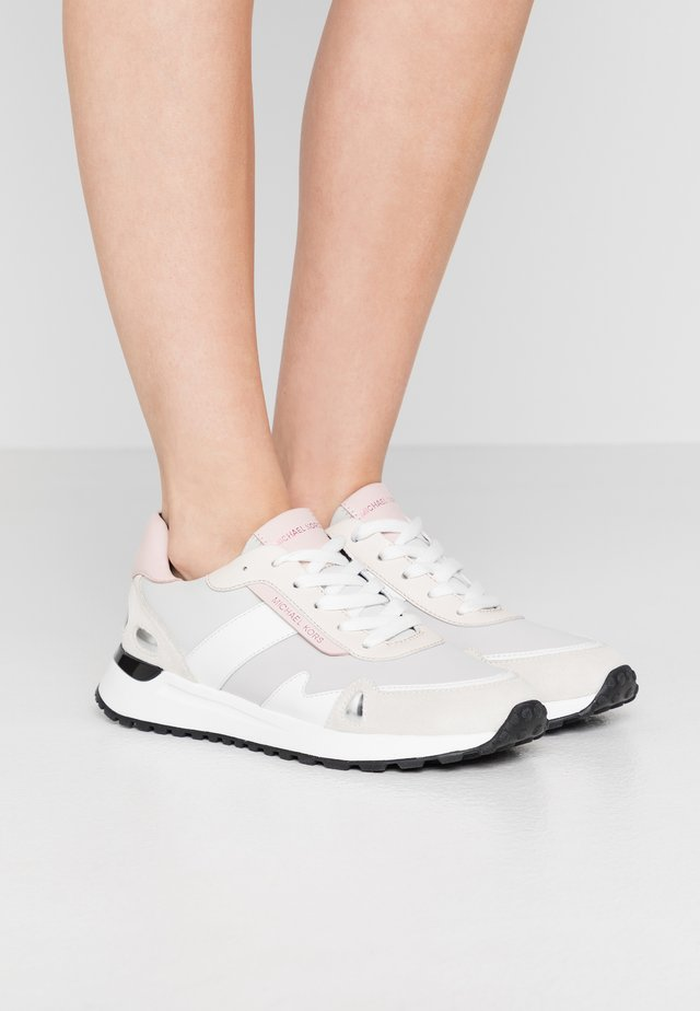MONROE TRAINER - Sneaker low - aluminum