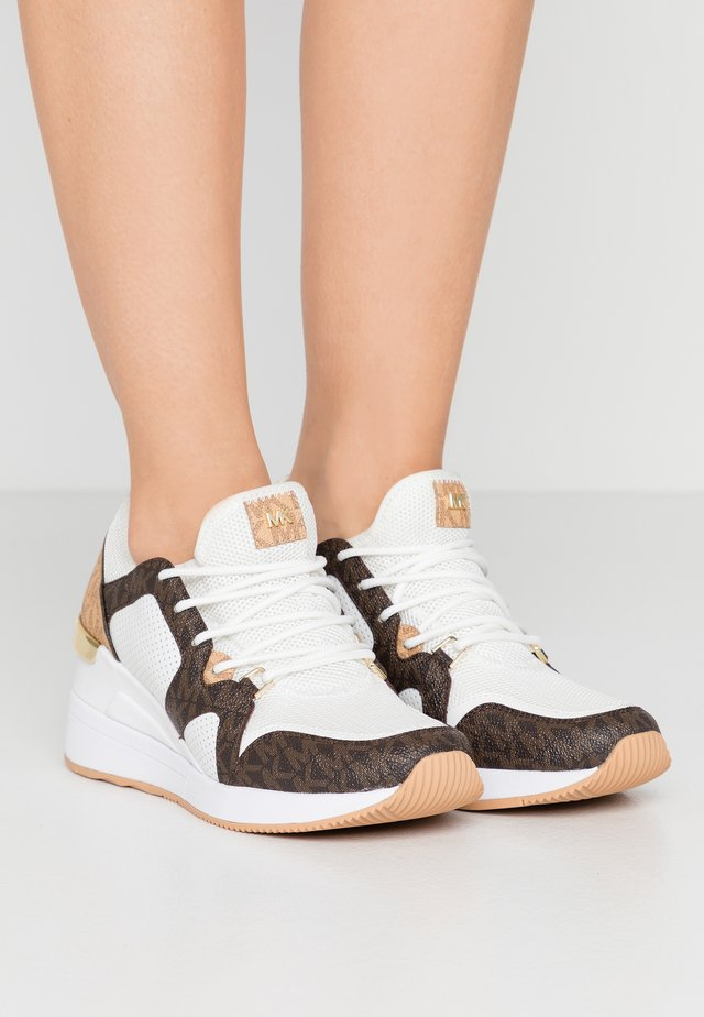 LIV TRAINER - Sneaker low - optic white/brown