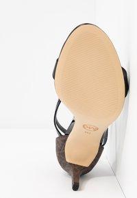 MICHAEL Michael Kors - AVA MID  - Sandals - black/brown - 6