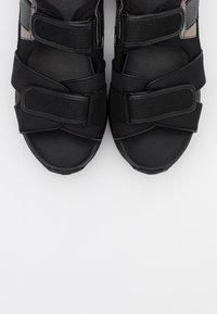 MICHAEL Michael Kors - HARVEY  - Platform sandals - black - 5