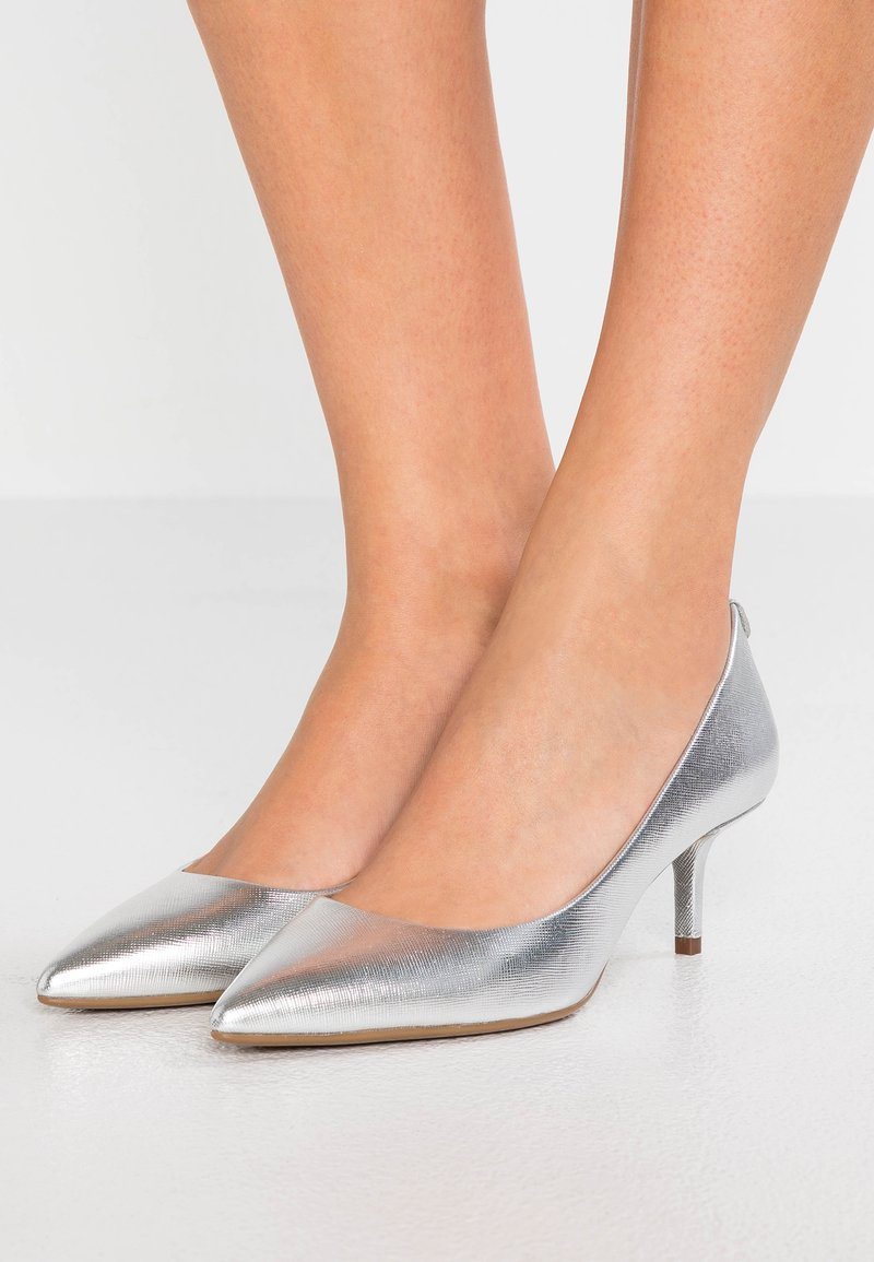 MICHAEL Michael Kors - FLEX KITTEN - Klassiske pumps - silver