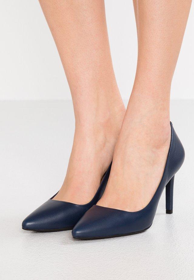Classic heels - admiral