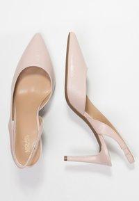 MICHAEL Michael Kors - LUCILLE FLEX SLING - Lodičky na vysokém podpatku - soft pink - 3