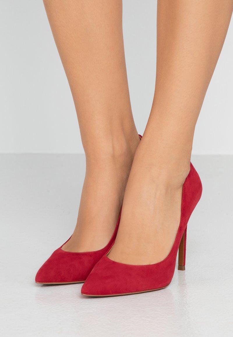 MICHAEL Michael Kors - KEKE - High heels - scarlet