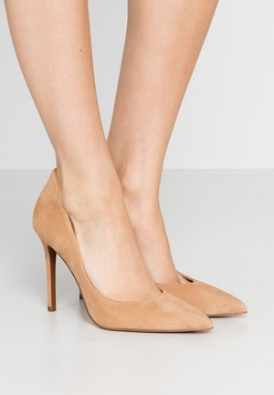 Zapatos altos - camel