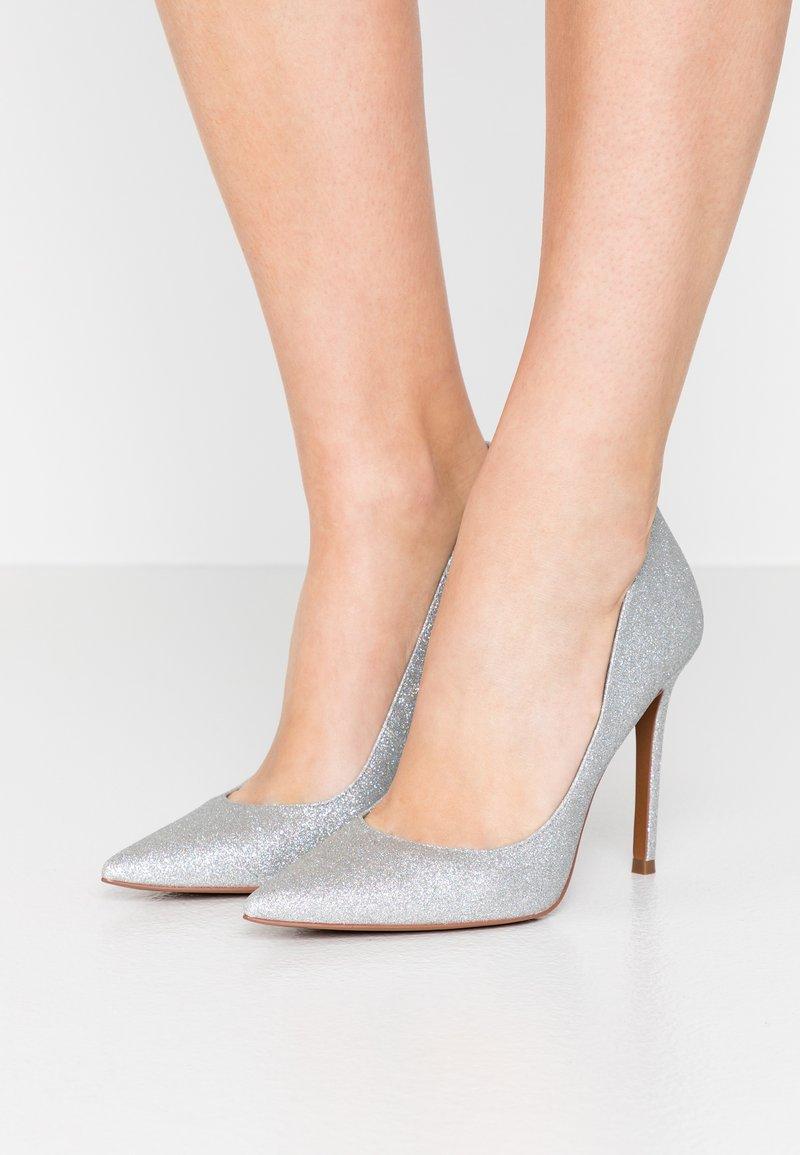 MICHAEL Michael Kors - KEKE  - Zapatos altos - silver