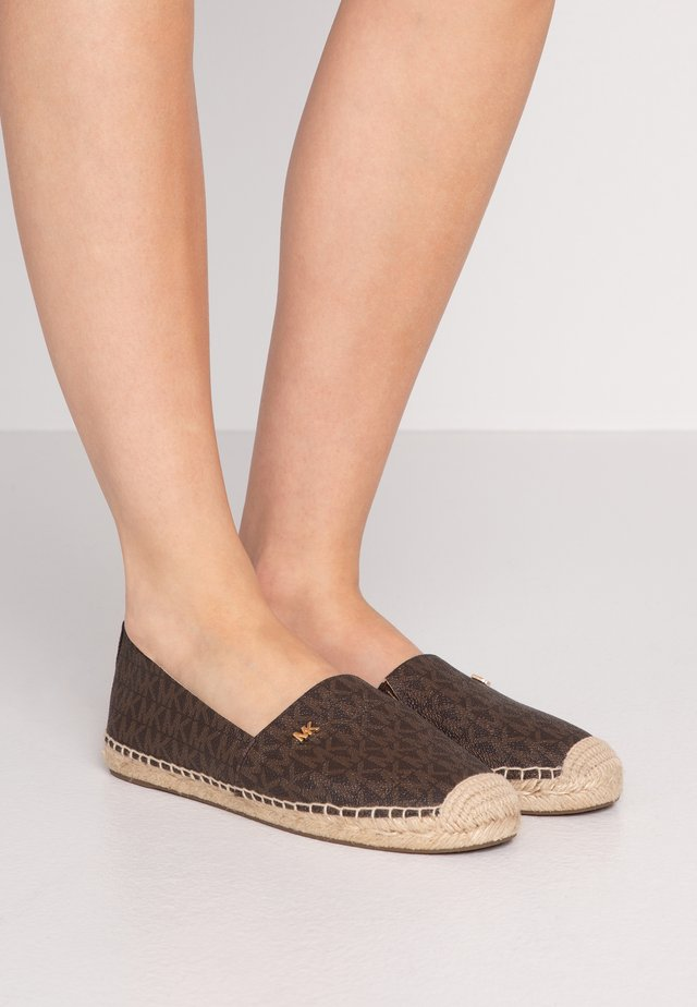 KENDRICK SLIP ON - Espadrillos - brown