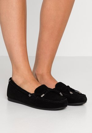 SUTTON - Mockasiner - black