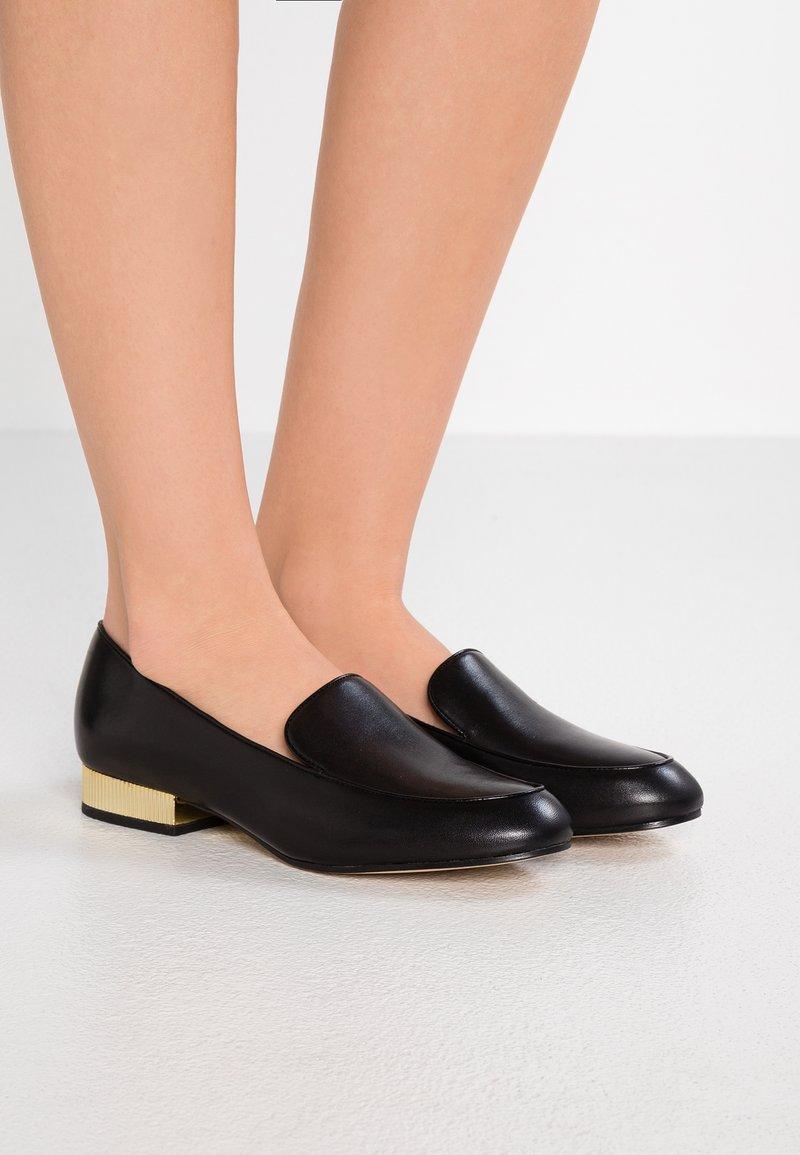 MICHAEL Michael Kors - VALERIE SLIP ON - Nazouvací boty - black