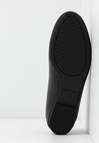 MICHAEL Michael Kors - TRACEE LOAFER - Instappers - black - 6