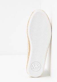 MICHAEL Michael Kors - KRISTY - Espadrilles - optic/ivory - 6