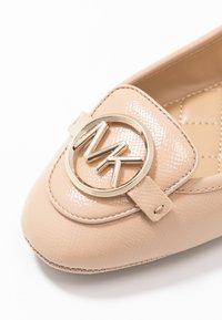 MICHAEL Michael Kors - LILLIE - Ballerina's - light blush - 2