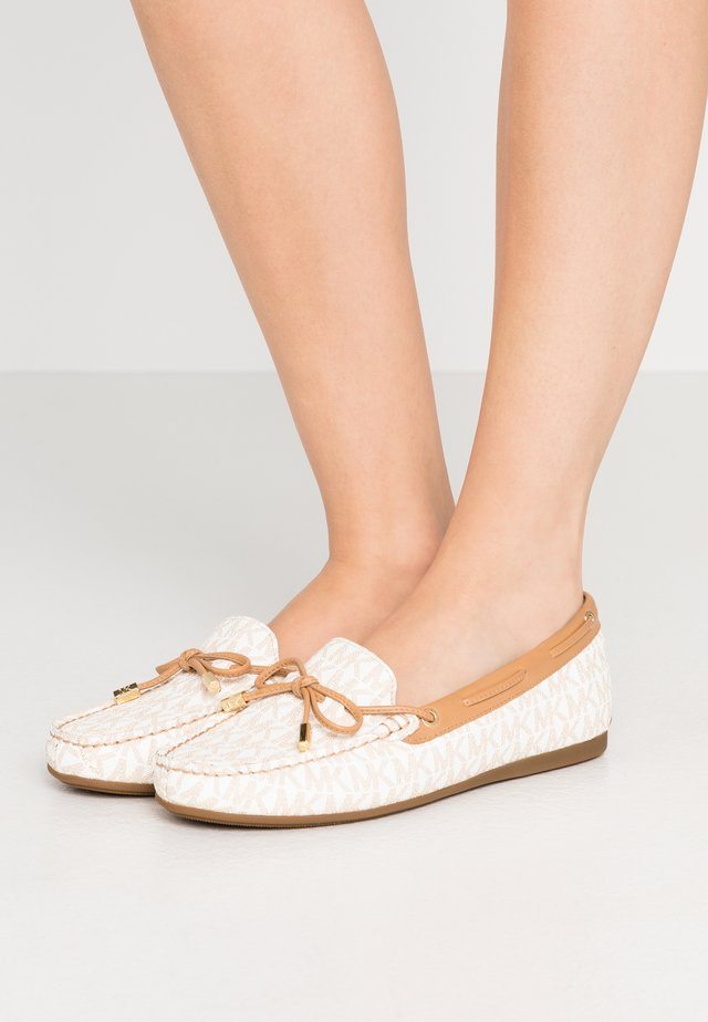 SUTTON  - Slipper - peanut