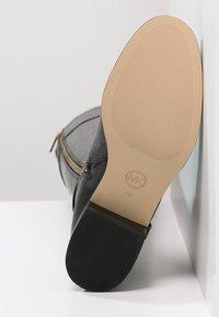 MICHAEL Michael Kors - FULTON HARNESS - Boots - black - 6
