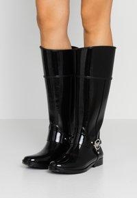 MICHAEL Michael Kors - FULTON - Botas de agua - black - 0