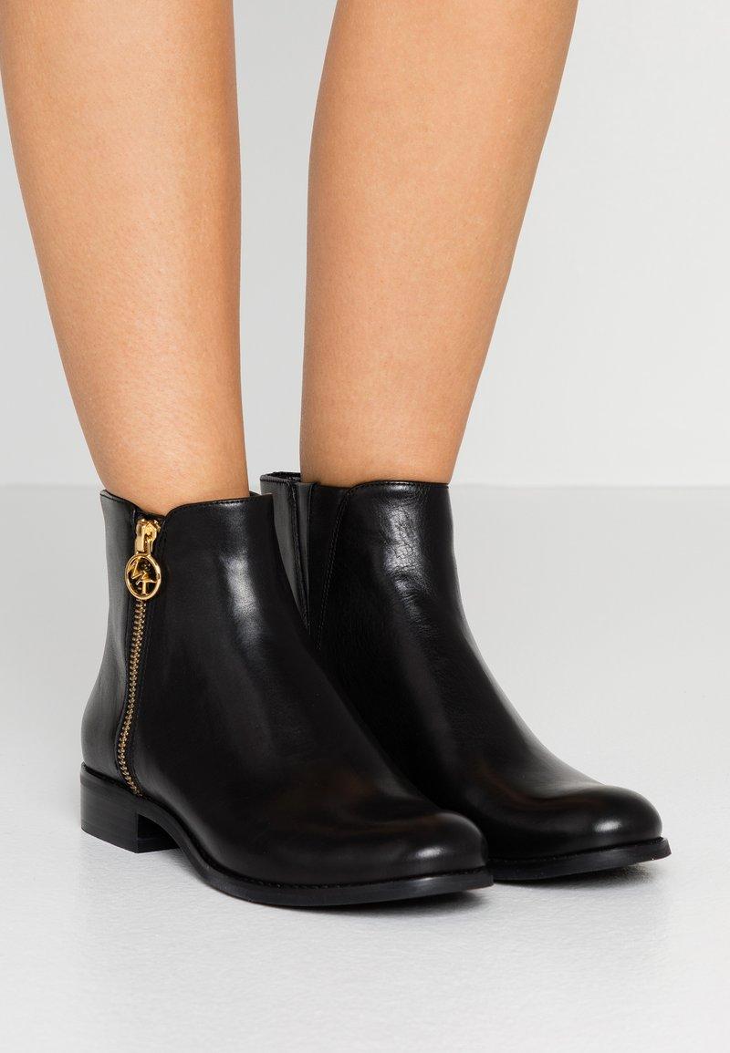 MICHAEL Michael Kors - JAYCIE FLAT BOOTIE - Classic ankle boots - black