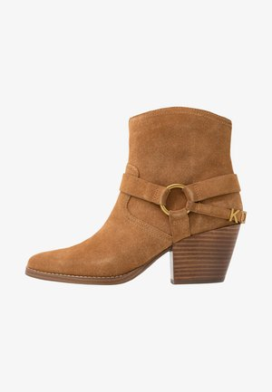 GOLDIE BOOTIE - Ankle boots - acorn