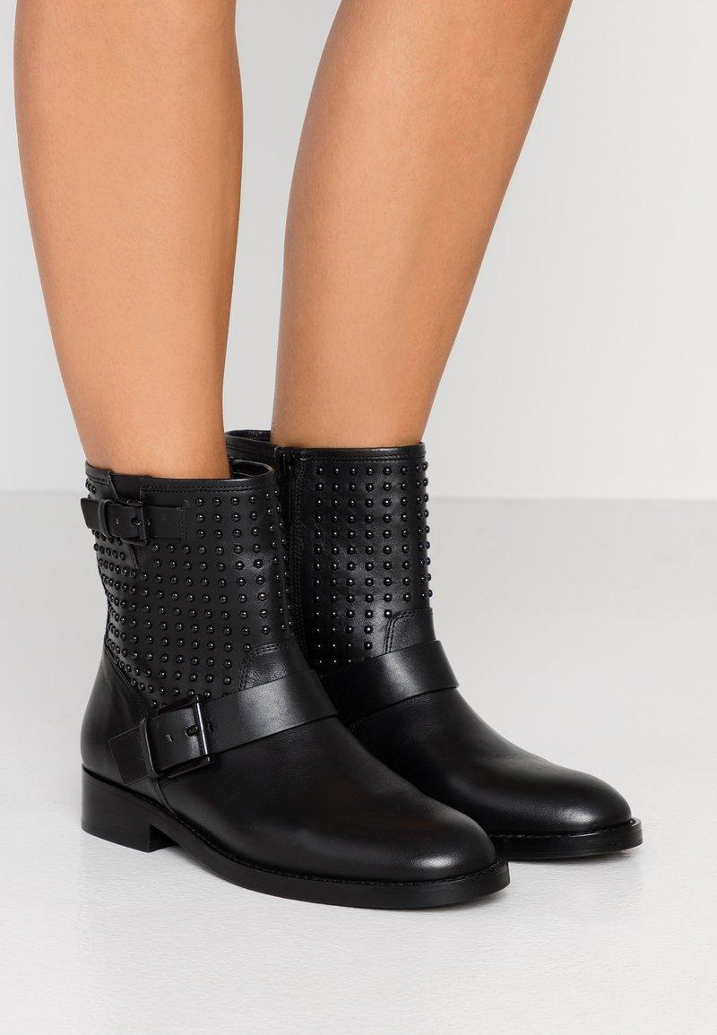 MICHAEL Michael Kors - REEVES BOOTIE - Cowboy/biker ankle boot - black